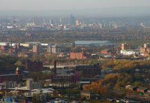 Stalybridge_towards_Manchester