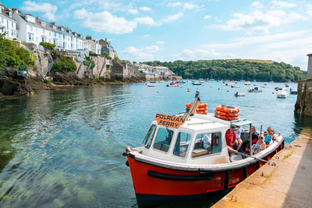 holiday lets fowey