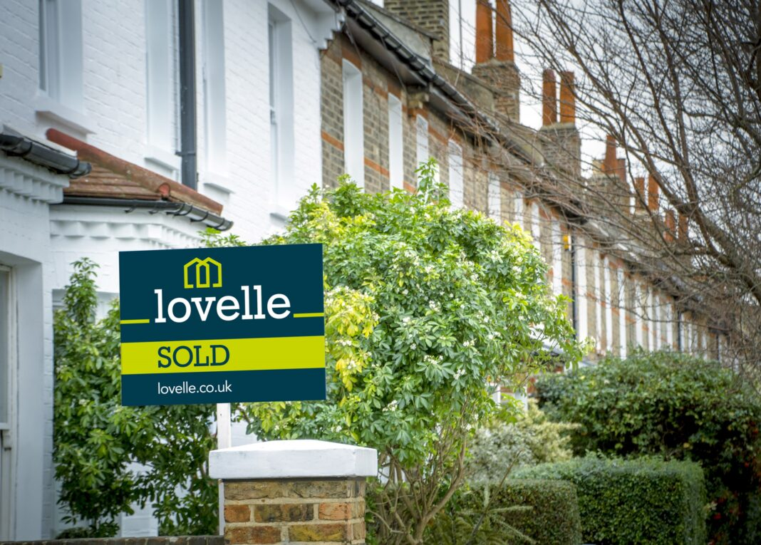 Lovelle benefits from franchisor investment and creates three new franchised sales offices